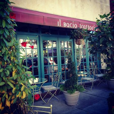 Il Bacio Trattoria: Bronxville's Most Popular Pizza