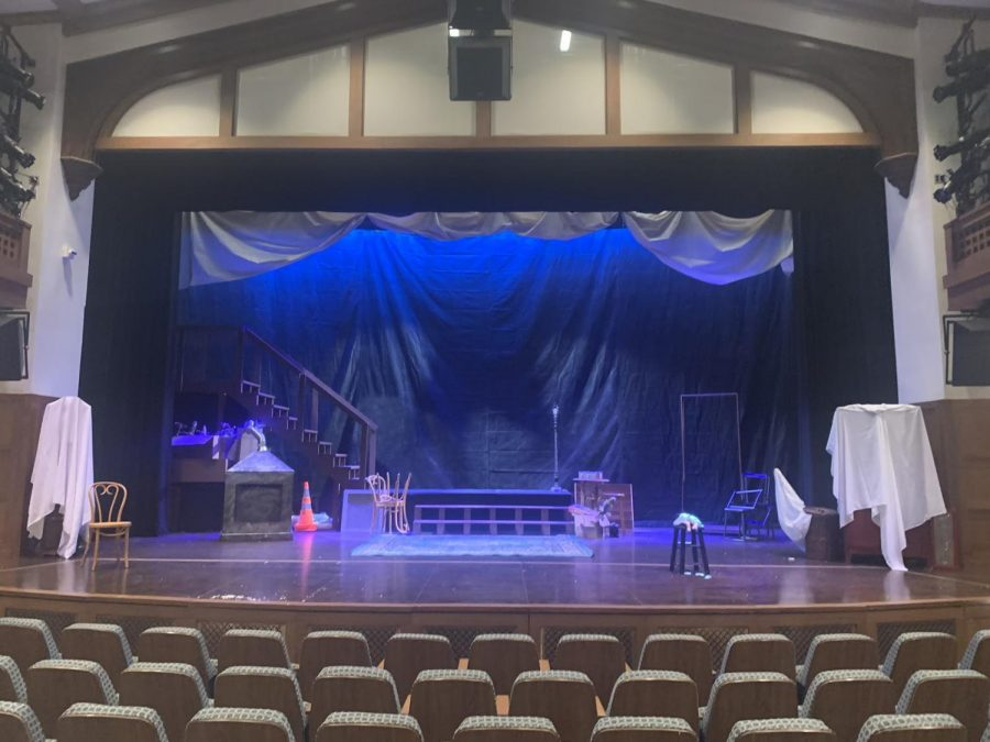 Fall Play: The Secret In The Wings